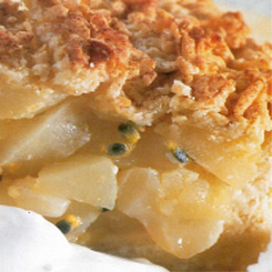 Apple passion crumble