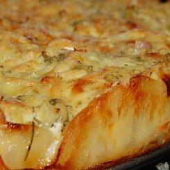 Quiche with a potato crust