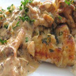 Pan fried chicken with mushroom sauce
