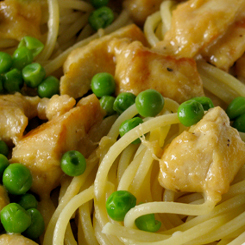 Chicken pasta with peas and creamy mustard
